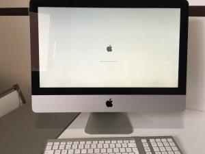 Y esto tan bonito es mi renovado iMac procediendo a instalar el sistema operativo